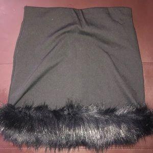 never worn y2k black skirt with fur 🦨